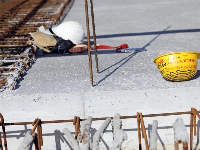 Asti, operaio di 52 anni cade da un'impalcatura di dieci metri e muore