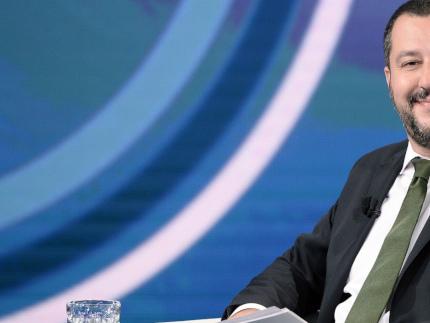"""""""Il volto nuovo dell'Europa"""". Salvini va in copertina sul Time"""