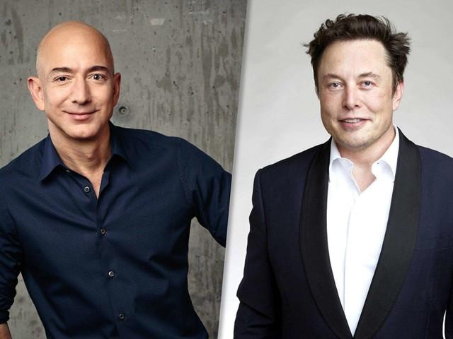 Elon Musk vs Jeff Bezos: scontro spaziale