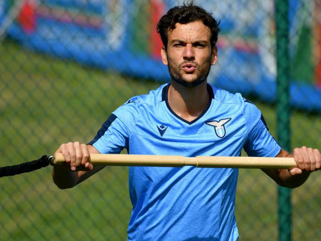 Lazio-Lazio Primavera 12-0, tripletta di Parolo e eurogol di Luis Alberto, in gol anche Vavro e Berisha