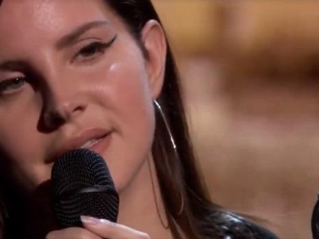 Looking For America, Lana Del Rey canta il sogno di Stati Uniti senza armi (video e testo)
