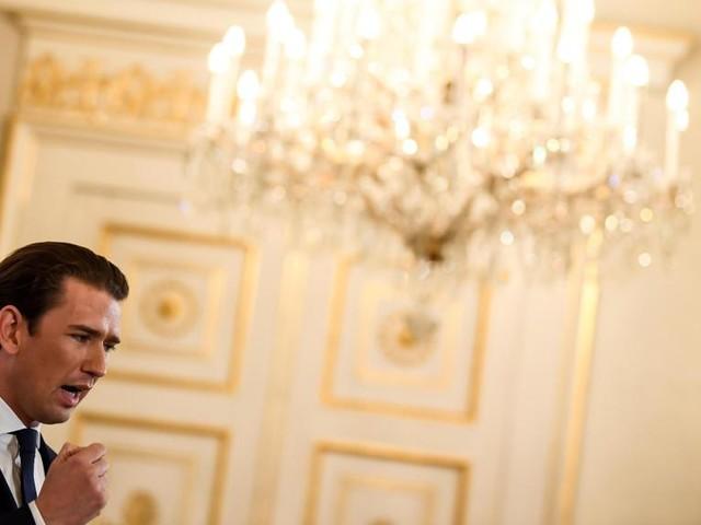 La crisi di Vienna si aggrava: si dimettono tutti i ministri dell'Fpö: saranno sostituiti da tecnici