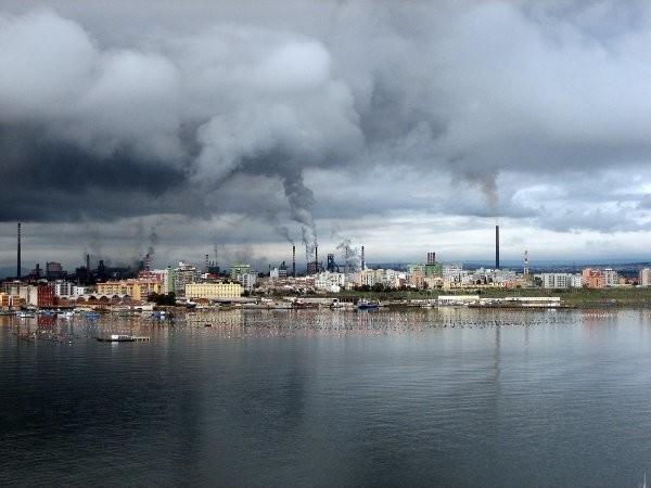 Taranto: 600 bambini nati malformati