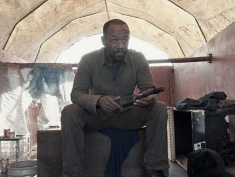 Un salto temporale in Fear The Walking Dead 6 permetterà un crossover con The Walking Dead?