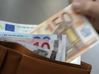 Previsti aumenti fino a mille euro nel corso del 2018 Il Codacons denuncia: «I calabresi saranno i più penalizzati»