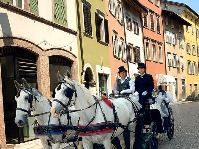 In Trentino torna di moda sposarsi ma calano i neonati e gli stranieri