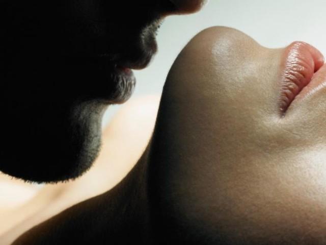Verginità in vendita per pagarsi gli studi, la 'trovata' di una 18enne
