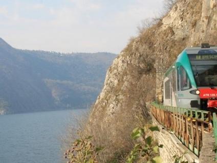In treno alla scoperta dei laghi lombardi Da Como al Garda, tutti gli itinerari