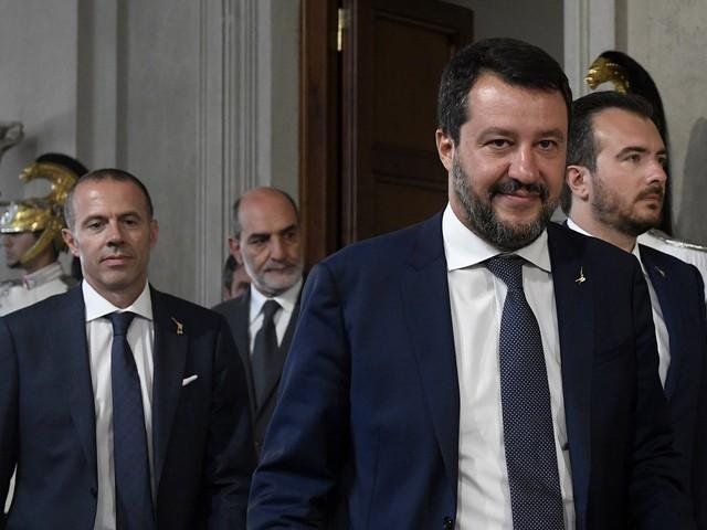 """L'ira di Salvini contro Conte: """"Porte aperte ai 5s delusi"""""""