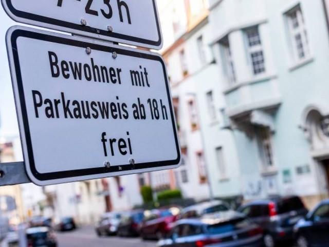 Germania - Parcheggi in strada una Suv (o una grande elettrica)? Paghi sei volte di più