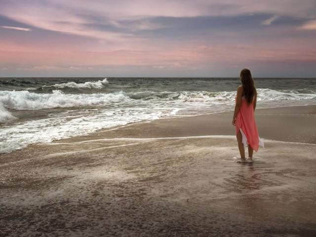 L'oroscopo del giorno 21 ottobre, previsioni seconda sestina: bene l'amore per l'Acquario