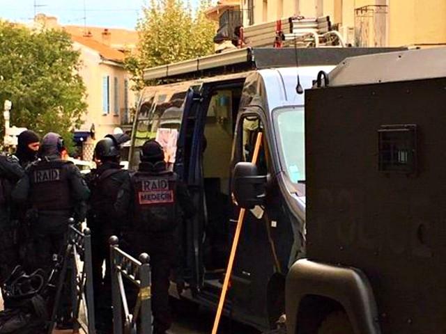 Francia, arrestato uomo asserragliato in un museo. Aveva imbrattato la facciata con scritte in arabo