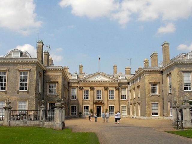 Nel Northamptonshire, in visita alla casa che fu di Lady Diana