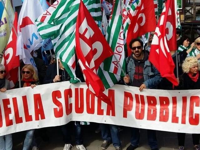 Scuola, senza risposte sindacati pronti allo sciopero