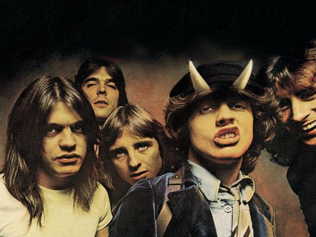 Touch Too Much: gli AC/DC, una tempesta di tuoni e fulmini