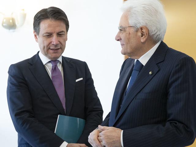 La crisi di governo preoccupa Mattarella. Attesa per le scelte di Conte