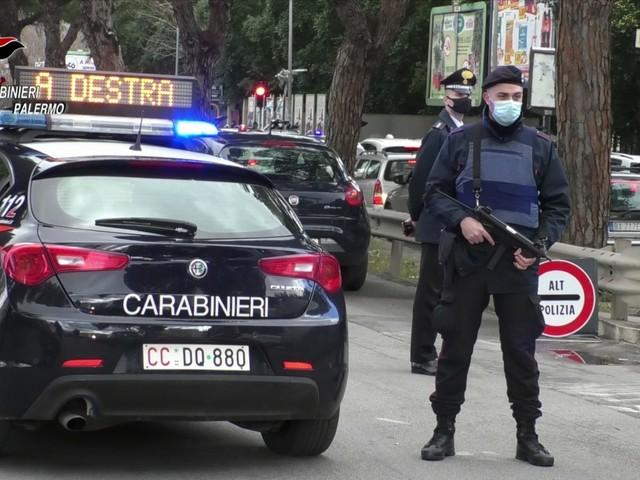 Carabinieri fermano matrimonio, multati sposi e invitati
