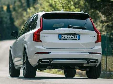 La strategia ecologica di Volvo: non solo veicoli green ma anche la volontà a sostenere il riciclo