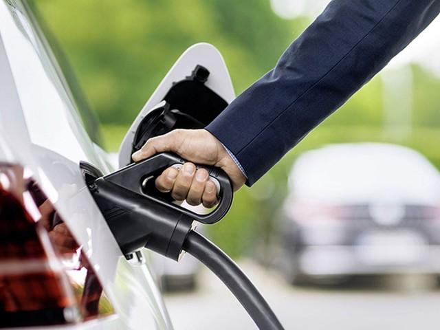Il futuro sarà a fuel cell o a batteria? Volkswagen analizza il quadro e prova a dare una risposta