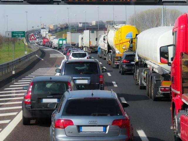 Traffico in autostrada, giovedì 10 settembre: doppio incidente sulla A14