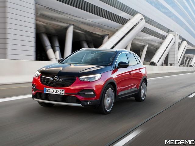 Opel Grandland X Hybrid4 AWD, al via gli ordini in Italia