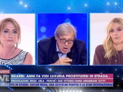 Il vergognoso attacco transfobico di Vittorio Sgarbi a Vladimir Luxuria | VIDEO