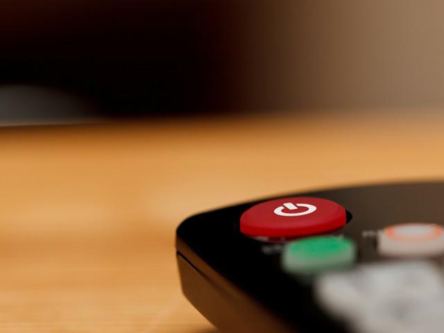 Ascolti tv giovedì 13 aprile, la fiction Sorelle vista da oltre 6 milioni di spettatori