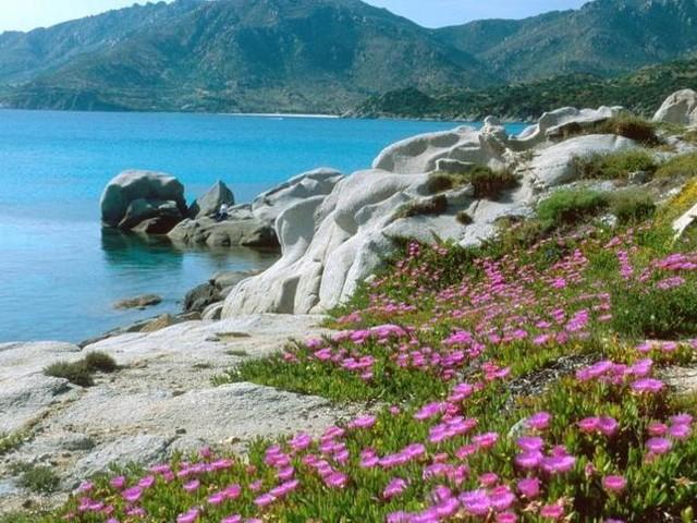 Sardegna, passo indietro sul cemento