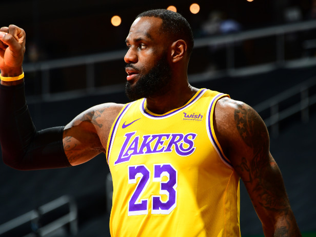 NBA, Indiana Pacers-Los Angeles Lakers: torna LeBron James, LIVE dalle 19 su Sky Sport