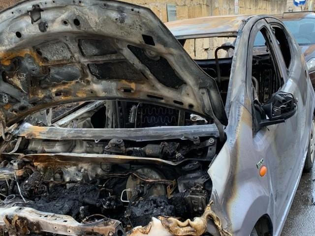 """Palermo, bruciata l'auto alla militante di Libera. Don Ciotti: """"E' una sfida per tutti noi"""""""
