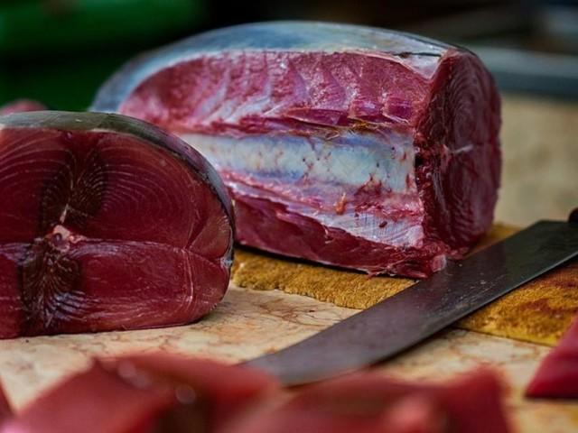 Compra tonno rosso a Ballaró, ricoverato per Sindrome Sgombroide