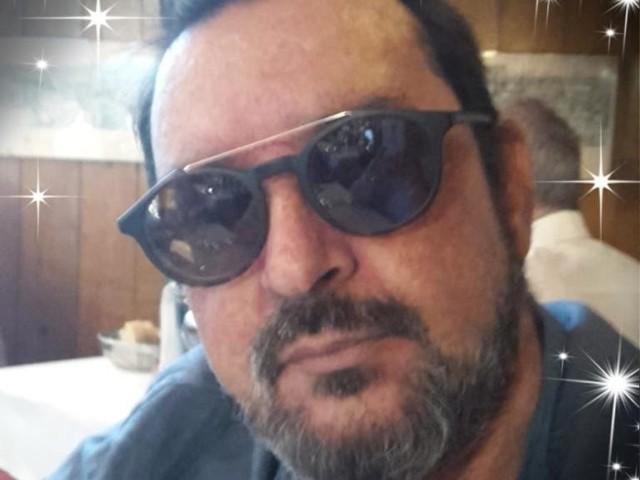 """Chi era Giampiero Artegiani, il cantautore che scrisse """"Perdere l'amore"""""""