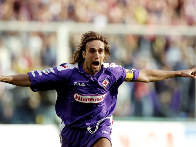 VIDEO – 21 anni fa Fiorentina campione d'inverno: la tripletta di Batistuta al Cagliari
