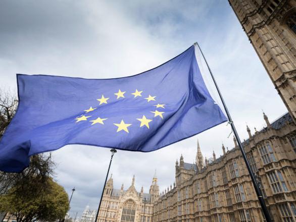 Brexit, ministro del Lavoro si dimette