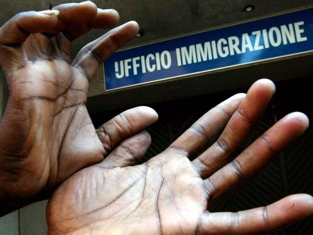 Arrestati a Milano sei agenti polizia