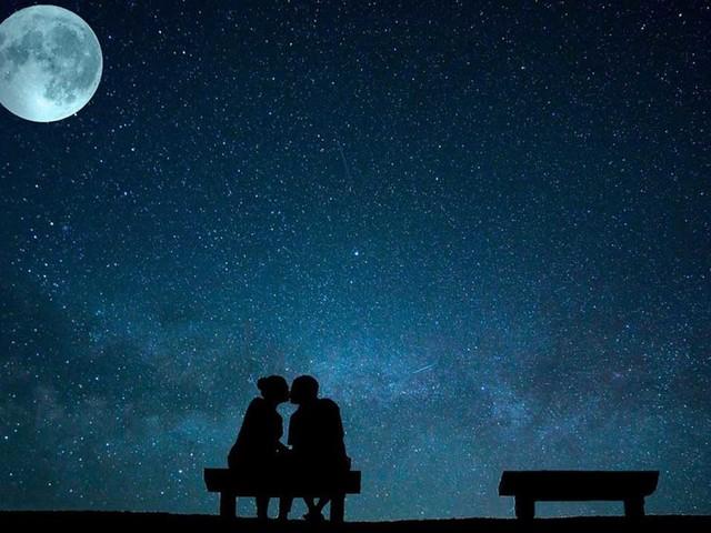 Imperdibile luna blu 2020: il 31 ottobre occhi rivolti al cielo ad Halloween