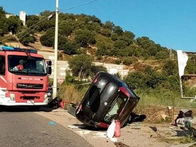 Gravissimo incidente stradale, morta una 26enne, ferite due amiche che viaggiavano con lei