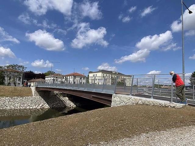 Aperta a Padova la nuova passerella ciclopedonale sul canale Brentella