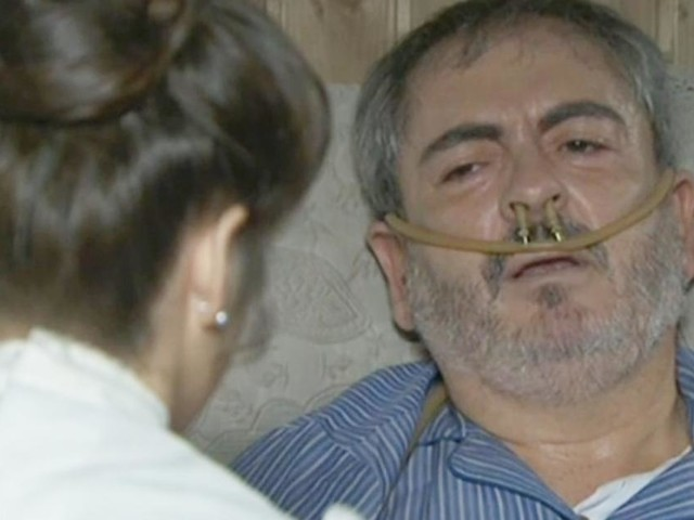 Una Vita, trame: Ramon teme che Servante possa morire a causa della polmonite