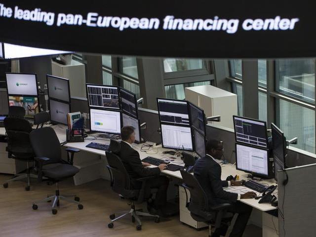 Borsa: Europa peggiora, listini Usa contrastati, Milano -0,45%