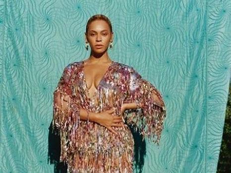 Beyoncé in Italia per il suo 37° compleanno, in vacanza in Sardegna con la famiglia: girerà il video al Colosseo?