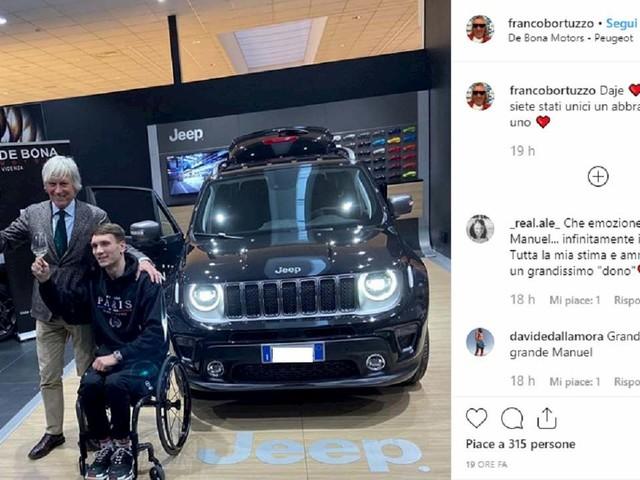 Manuel Bortuzzo prende la patente speciale. In viaggio con l'auto regalata dai colleghi del papà FOTO