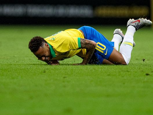 Un altro infortunio per Neymar: spesa record per un giocatore… a mezzo servizio