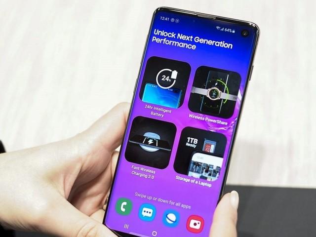 Sesto squillo dal Samsung Galaxy S10 con Android 10: ennesima beta il 21 novembre