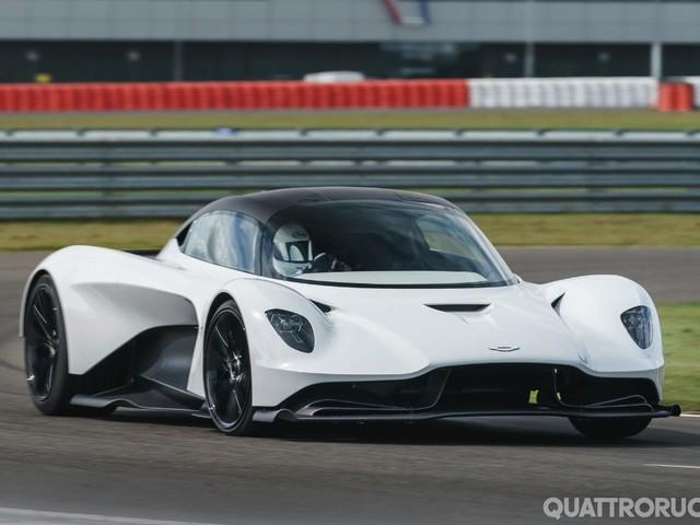 Aston Martin - La Valhalla in pista a Silverstone - VIDEO