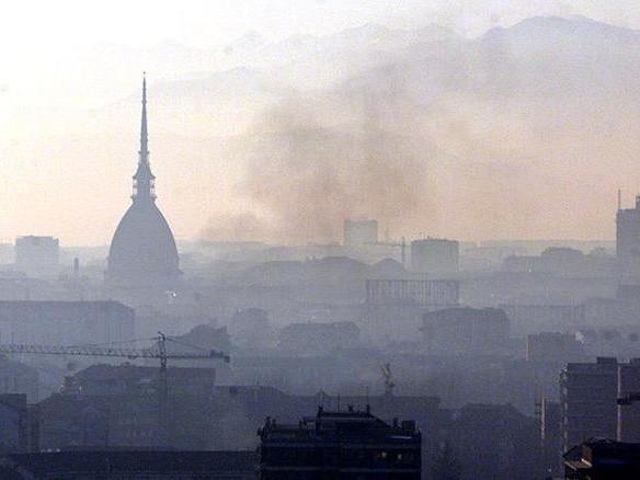 Smog: Torino maglia nera europea con Londra e Parigi, Italia prima in Ue per morti da NO2