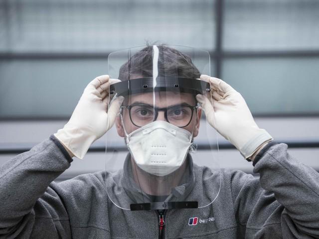 """Il virologo Crisanti: """"Ecco le tre condizioni per ripartire"""""""