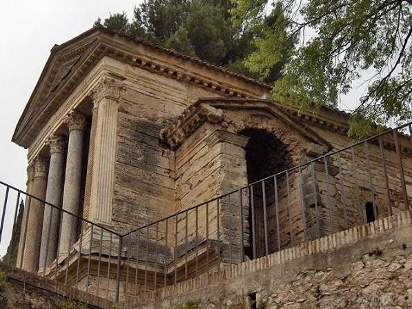Fonti del Clitunno: il parco, la storia e il tempietto