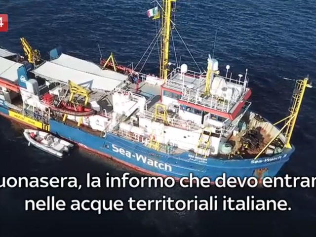 """""""Devo entrare in acque italiane"""", così la Sea watch ha forzato il blocco"""