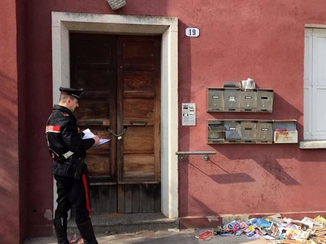 Abusivi sgomberati grazie ai vicini: rompono la finestra e occupano l'alloggio popolare